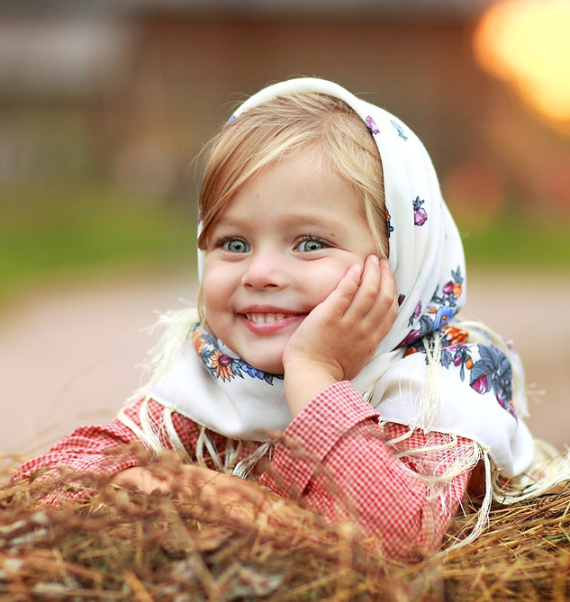 Картинки маленьких девочек в платке